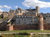 P153c2 - Muraille et Cathedrale Le Mans 3 P1080223