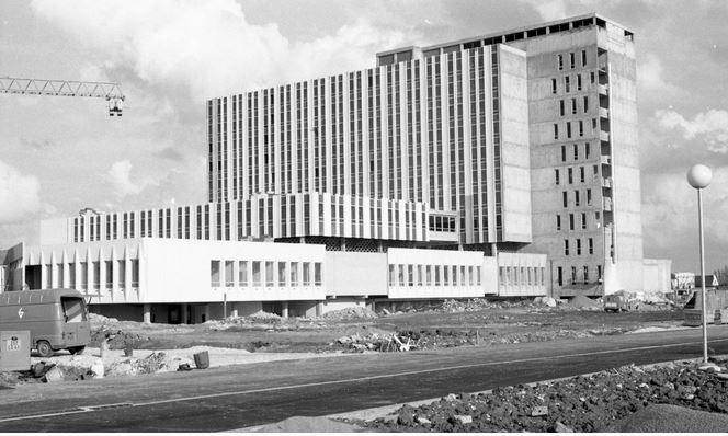 P183c2 - b - Ouverture du nouvel hopital en 1978
